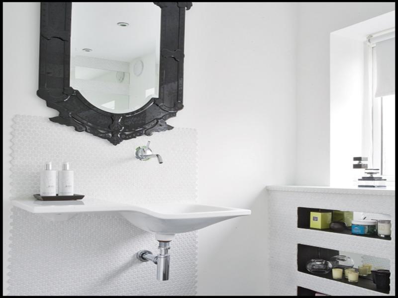 black-bathroom-mirror-9