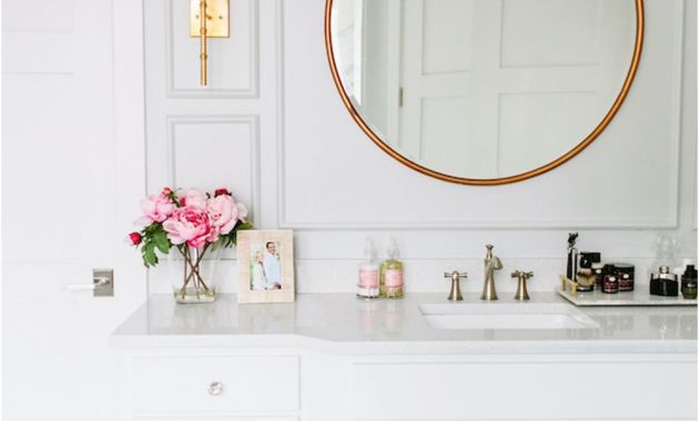 Gold Bathroom Mirror with Shelf Beautiful Brass is Back Stunning White Bathroom Vanity with Gold Accents