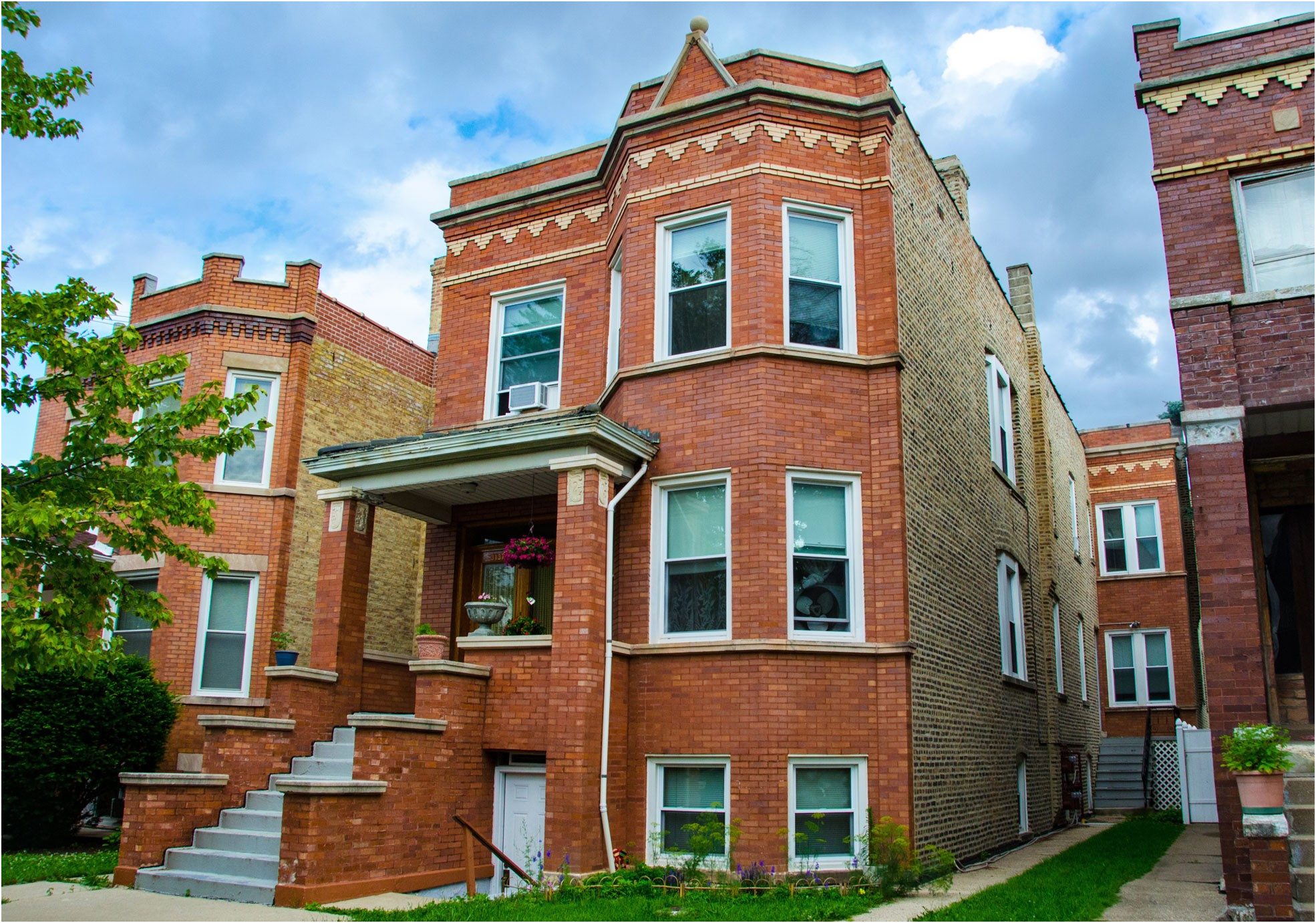 Six Ways to Locate Your Properties / Apartment 2 Flats for Sale In Chicago – X Plus Real Estate